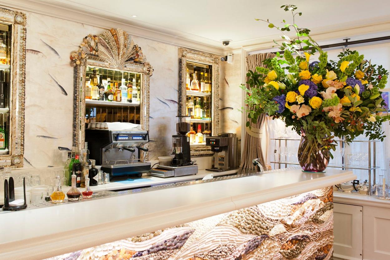 NB Flowers – Large luxury flowers at Ladies Bar