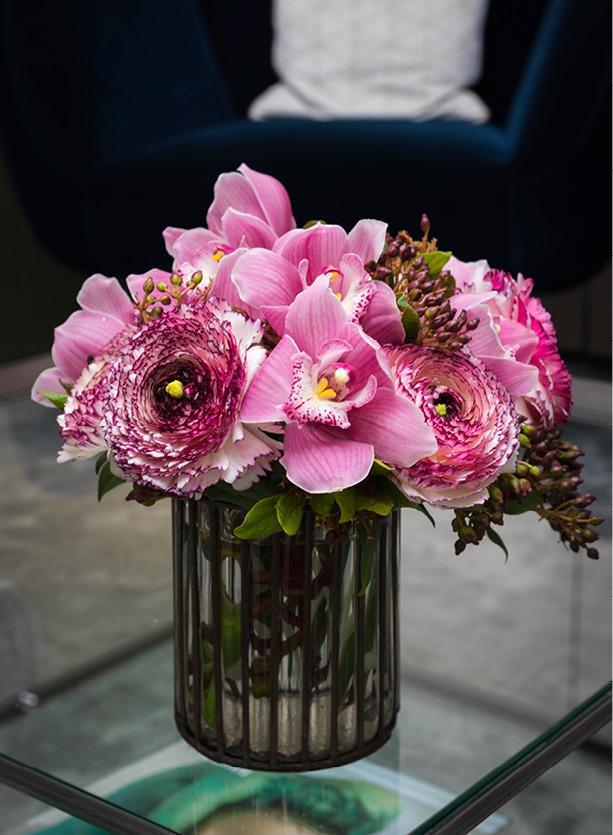 NB Flowers – Pink flowers on coffee table designed for Harrods
