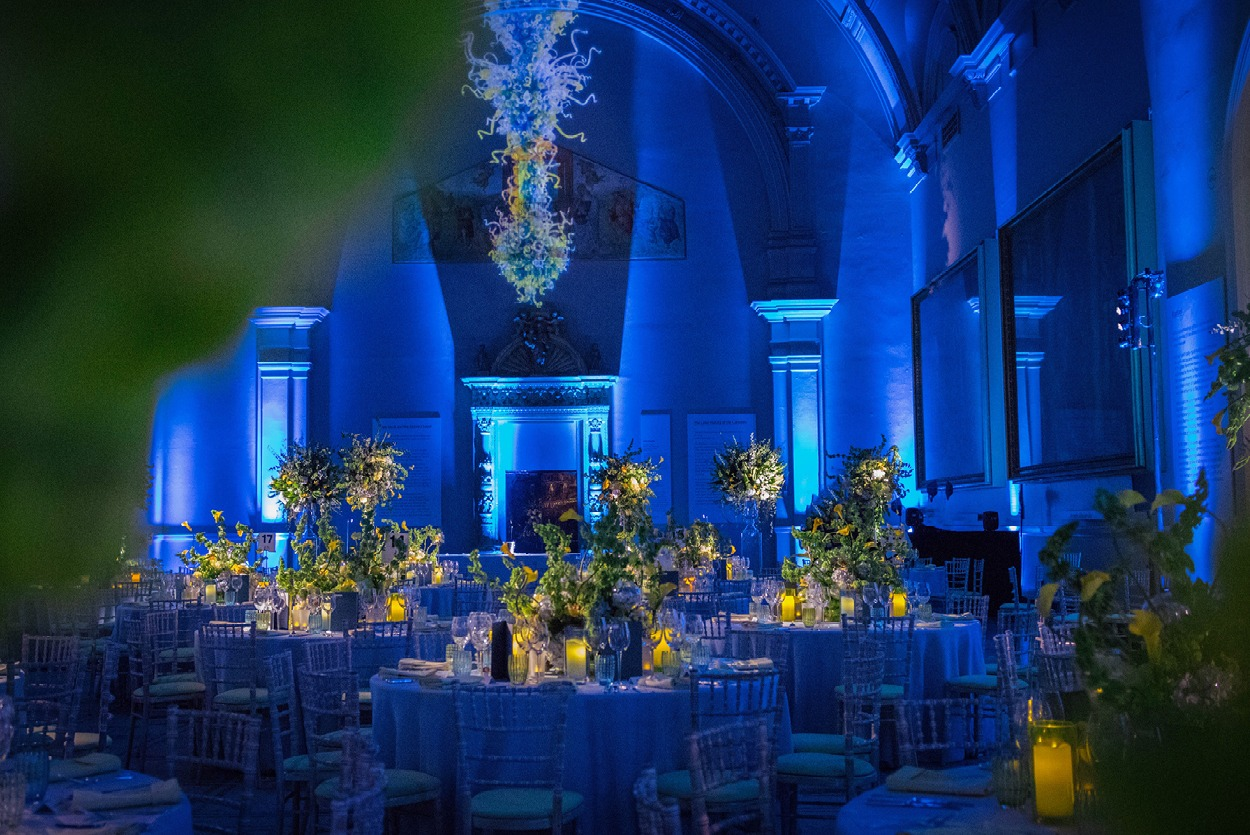 NB Flowers – Chihuly inspired table centres at the V&A Museum