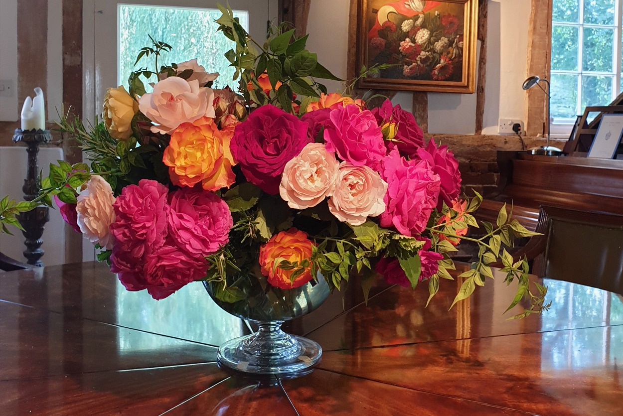 NB Flowers – NB Roses English garden roses