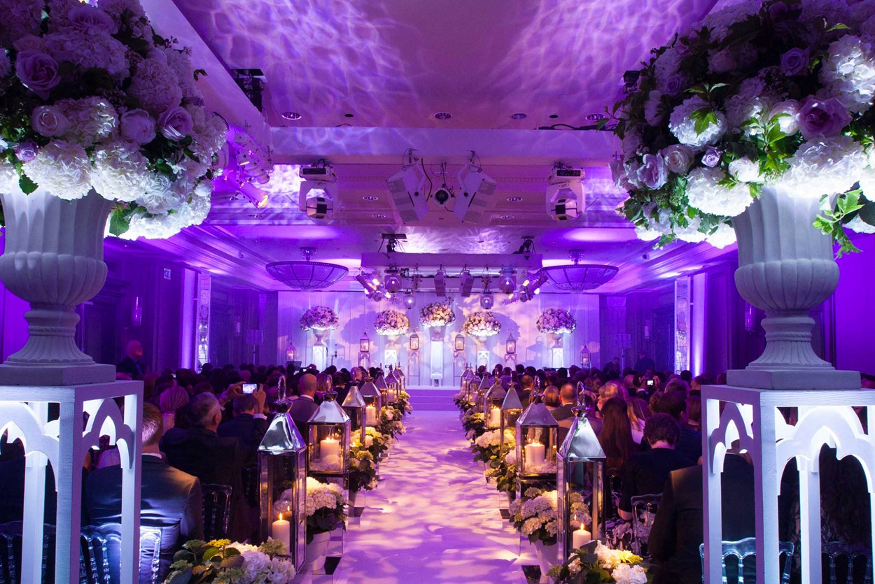 NB Flowers – Rosewood London, Wedding Flowers, aisle of lanterns