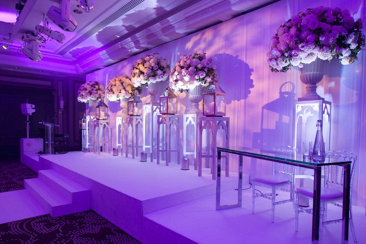 NB Flowers – Rosewood London, Ballroom, Ceremony Flowers